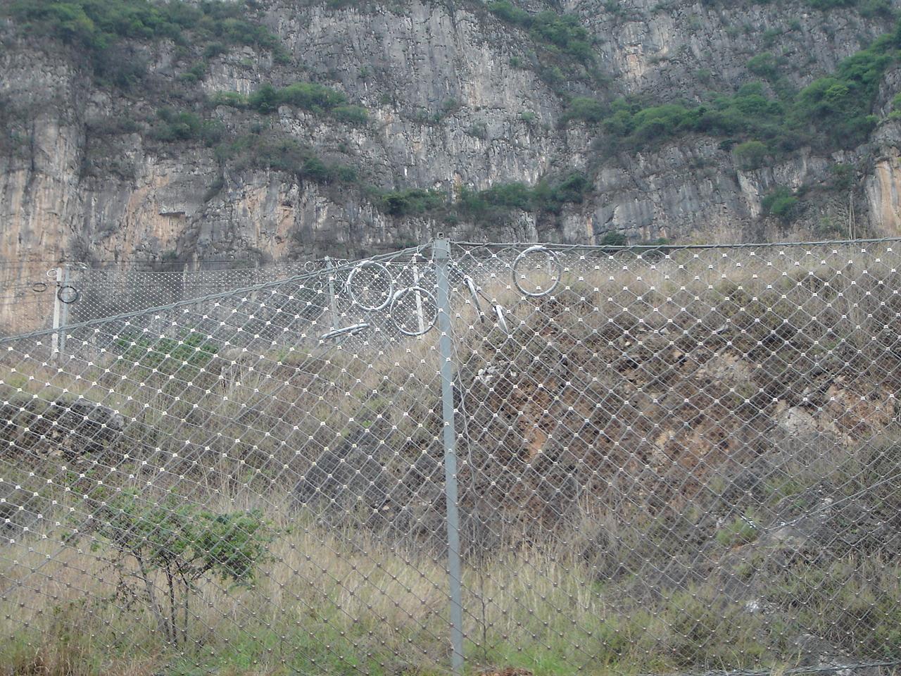 铁路防护网工程案例
