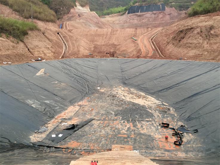 贵州土工膜施工工程
